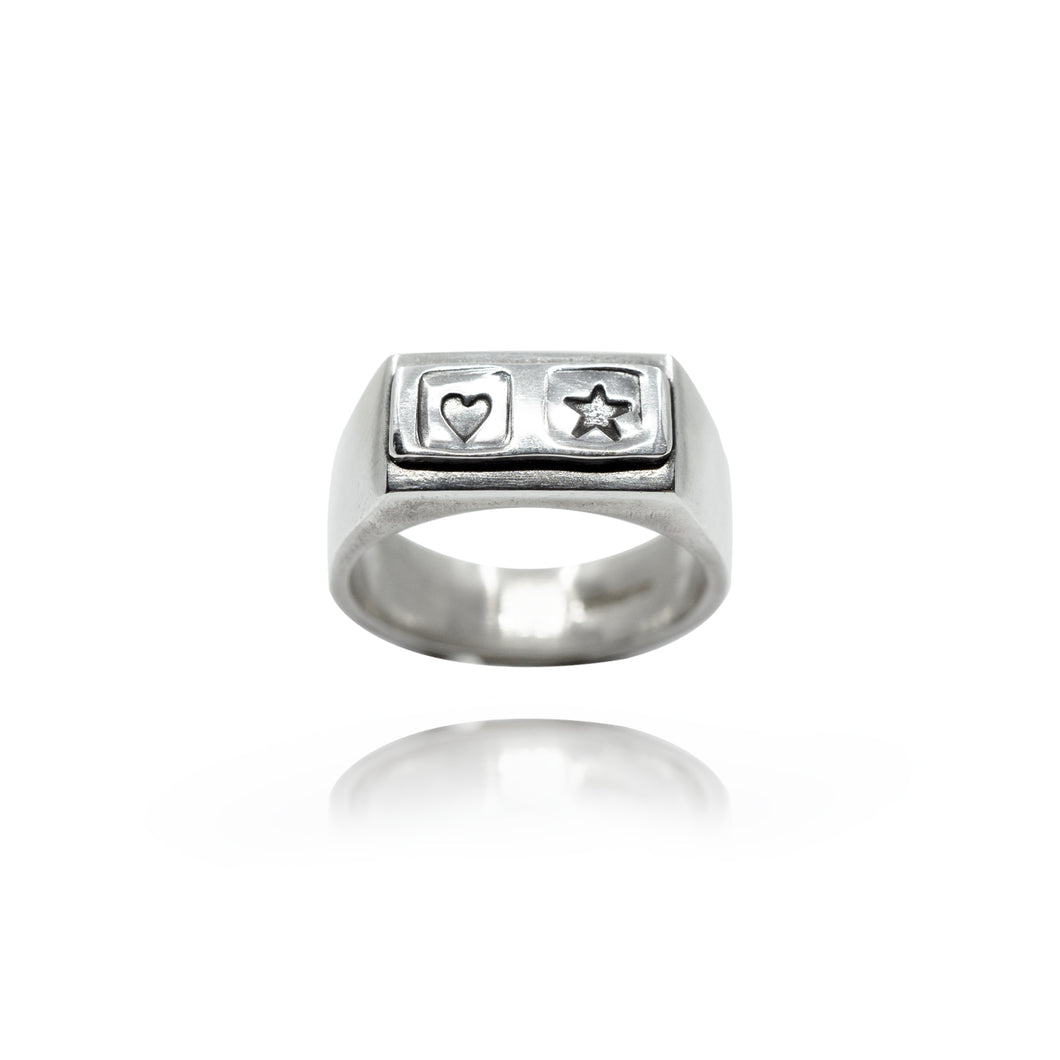 HEART AND STAR SIGNET RING - Amabis