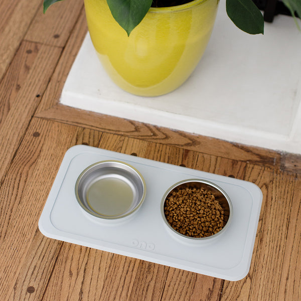 The Good Bowl (Double) / Self-Suctioning, Spill-Proof Silicone Pet Bowls by Ono