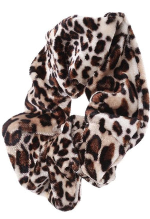 Load image into Gallery viewer, Leopard Scrunchie