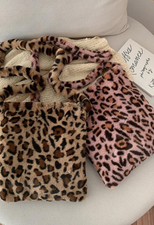 Load image into Gallery viewer, Fuzzy Leopard Shoulder Bag