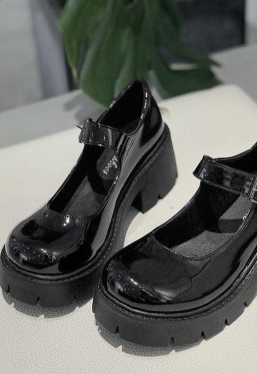 Load image into Gallery viewer, Glossy Black Platform Mary Janes
