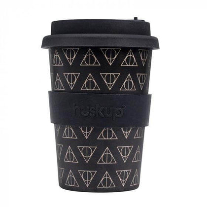 Official Deathly Hallows Huskup Travel Mug at the best quality and price at House Of Spells- Fandom Collectable Shop. Get Your Deathly Hallows Huskup Travel Mug now with 15% discount using code FANDOM at Checkout. www.houseofspells.co.uk.