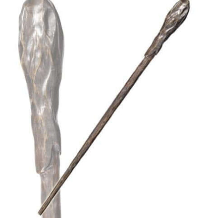 Official Bill Weasley Character Wand at the best quality and price at House Of Spells- Harry Potter Themed Shop In London. Get Your Bill Weasley Character Wand now with 15% discount using code FANDOM at Checkout. www.houseofspells.co.uk.