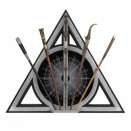 Official Crimes Of Grindelwald Wand Set at the best quality and price at House Of Spells- Fandom Collectable Shop. Get Your Crimes Of Grindelwald Wand Set now with 15% discount using code FANDOM at Checkout. www.houseofspells.co.uk.