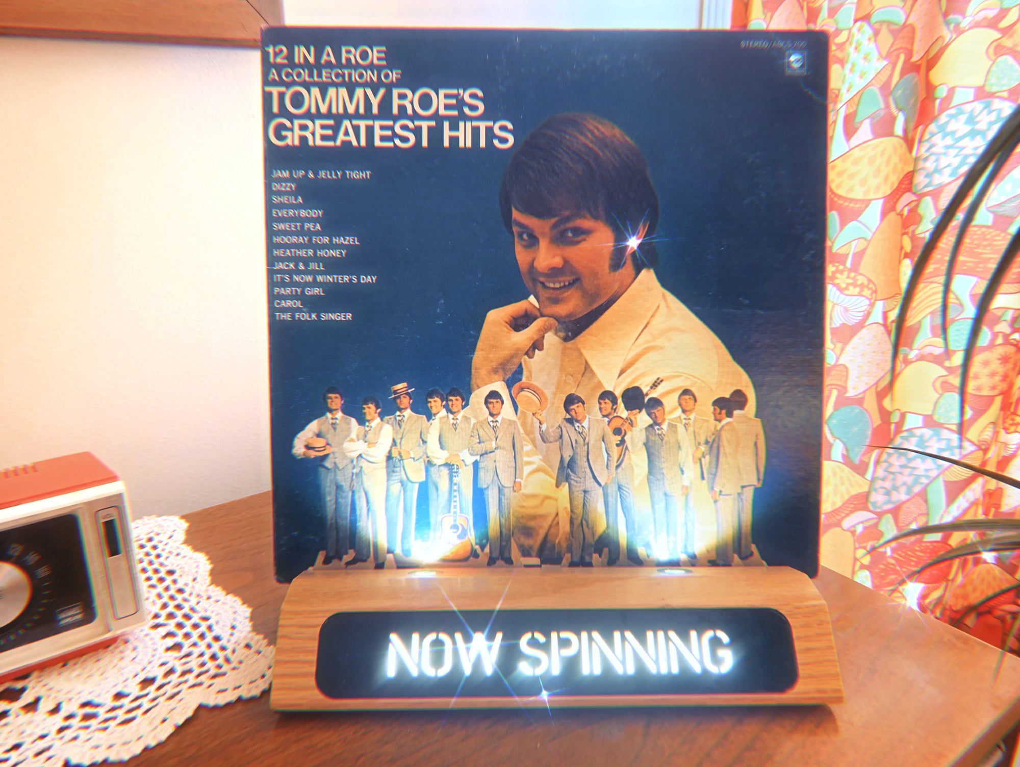 "Vinyl-a-Day 36: Tommy Roe - ""12 In A Roe A Collection Of Tommy Roe's Greatest Hits"" (ABC Records, 1972)"
