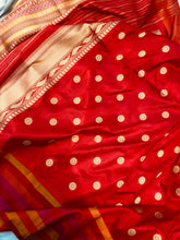 Load image into Gallery viewer, SILVER BANARASI HANDLOOM TISSUE KATAN SILK SAREE