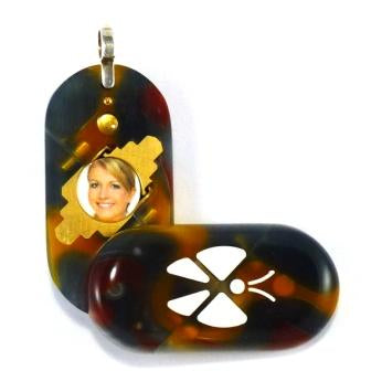2874 Thin Acrylic Butterfly Illusionist Locket