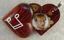 Load image into Gallery viewer, 3082 Slim Wood Piano Music Note Illusionist Locket