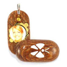 Load image into Gallery viewer, 4084 Slim Leopard Wood Magic Illusionist Locket