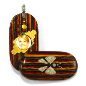 4174Thin Unique Wood Illusionist Locket