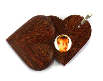 5052 Natural Camelthorn Wood Illusionist Locket