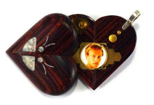Load image into Gallery viewer, 5195 Thin Unique Wood Illusionist Locket