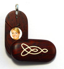 Load image into Gallery viewer, 5418 Natural Celtic Knot Illusionist Locket