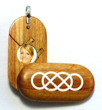 Load image into Gallery viewer, 5454 Natural Double Infinity Illusionist Locket