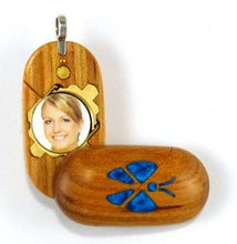 Load image into Gallery viewer, B192 Cremation Ash Butterfly Locket With Secret Compartments