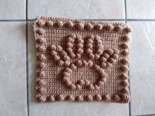 Load image into Gallery viewer, Paw Print Crochet Pattern