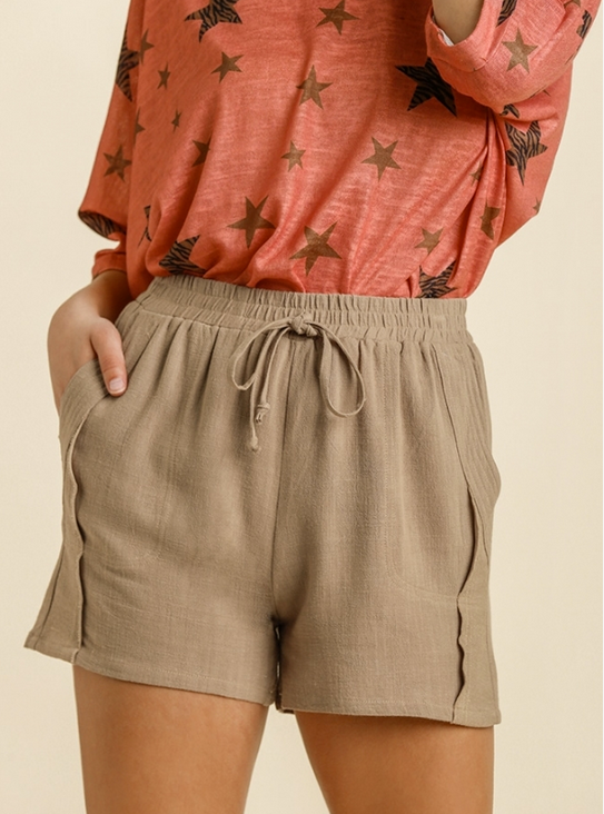 Linen Blend Shorts in Toffee