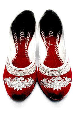 Vintage Embroidered Ethinc Flats- Red