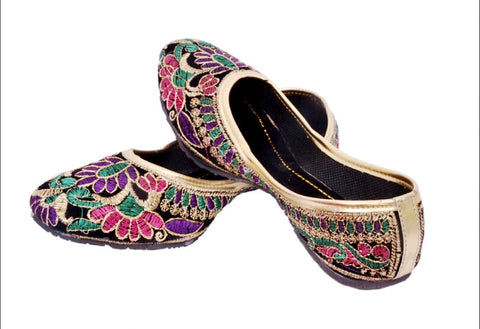 Punjabi Mojari Flats for Ladies