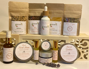 Winter Well Botanical Self Care Box. 12 natural skincare and wellness products designed to make you feel your best this winter.