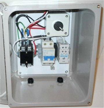 Lighting Control/Contactor Panel with Remote Standard Twist-lock Photocell Socket