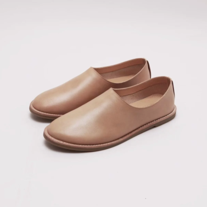 Aesop Slip-On Shoes 圓頭便鞋  | Bn01駝
