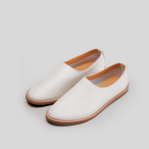 Aesop Slip-On Shoes 圓頭便鞋  | P03米白