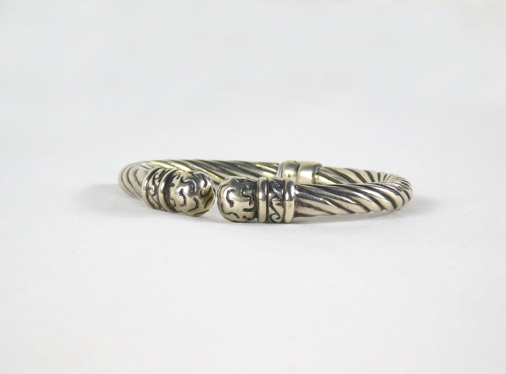 Sterling silver hinged bracelet - Ilumine Gallery Store dainty jewelry affordable fine jewelry