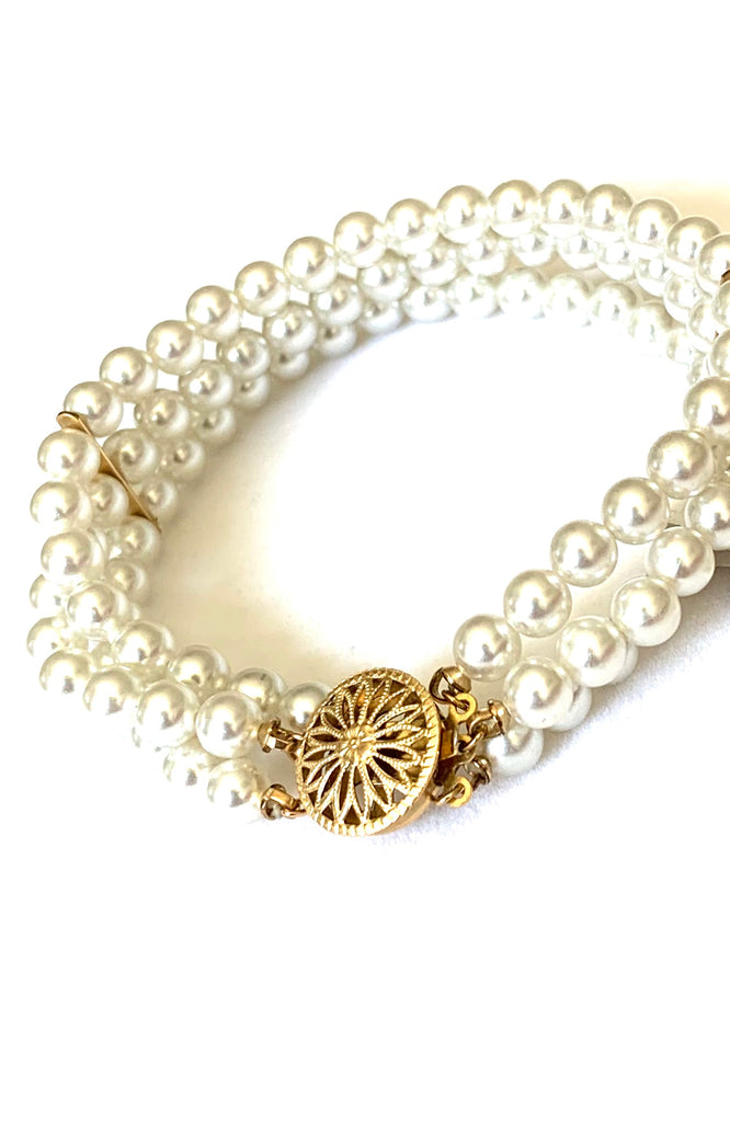 Gold vermeil and akoya pearl bracelet - Ilumine Gallery Store dainty jewelry affordable fine jewelry