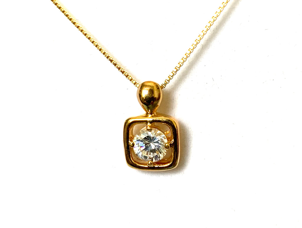 Necklace yellow gold with square and diamond pendant - Ilumine Gallery Store dainty jewelry affordable fine jewelry