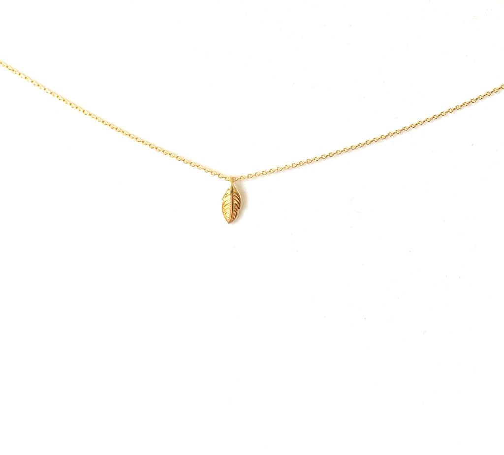 Necklace SS925 or yellow gold vermeil with leaf pendant - Ilumine Gallery Store dainty jewelry affordable fine jewelry
