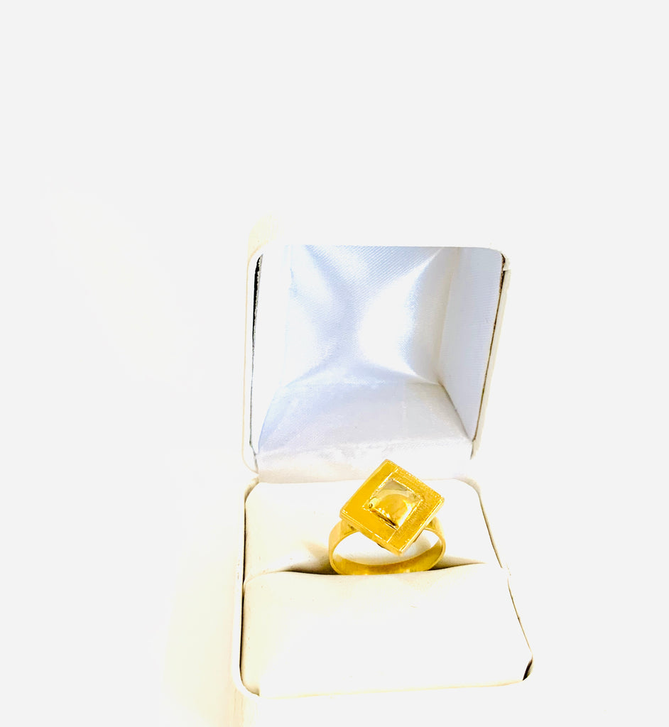 Gold vintage square ring