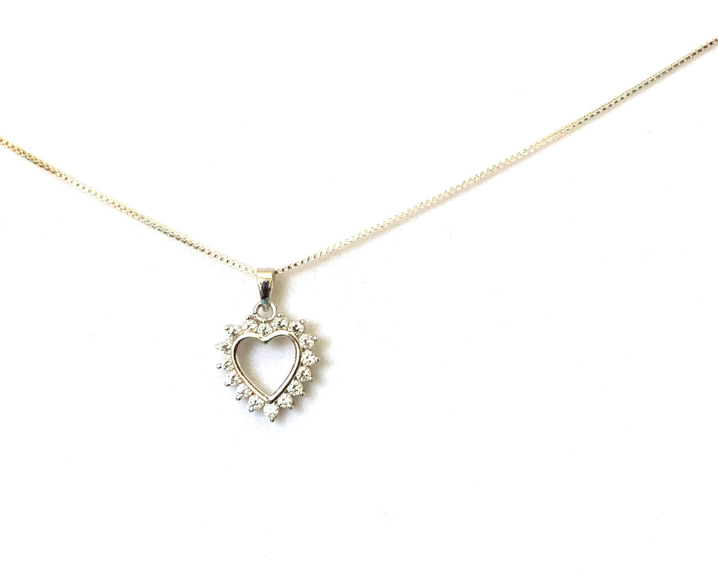 Necklace sterling silver with heart and diamonds - Ilumine Gallery Store dainty jewelry affordable fine jewelry