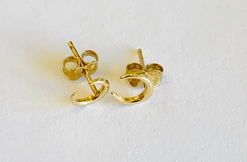 Solid gold moon studs