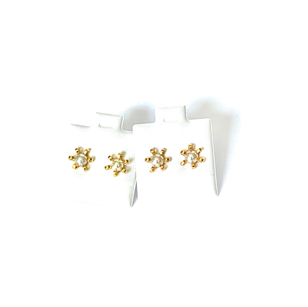 Earrings yellow and rose gold vermeil pearl flower studs - Ilumine Gallery Store dainty jewelry affordable fine jewelry