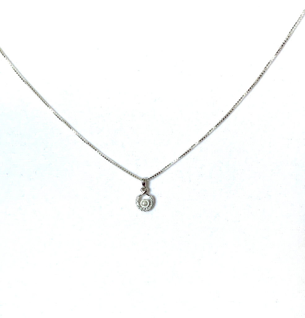 Necklace strling silver with crystal and pearl pendant - Ilumine Gallery Store dainty jewelry affordable fine jewelry