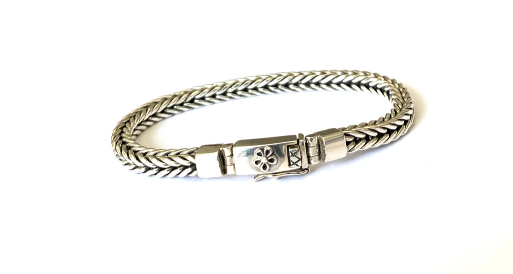 Sterling silver woven bracelet - Ilumine Gallery Store dainty jewelry affordable fine jewelry