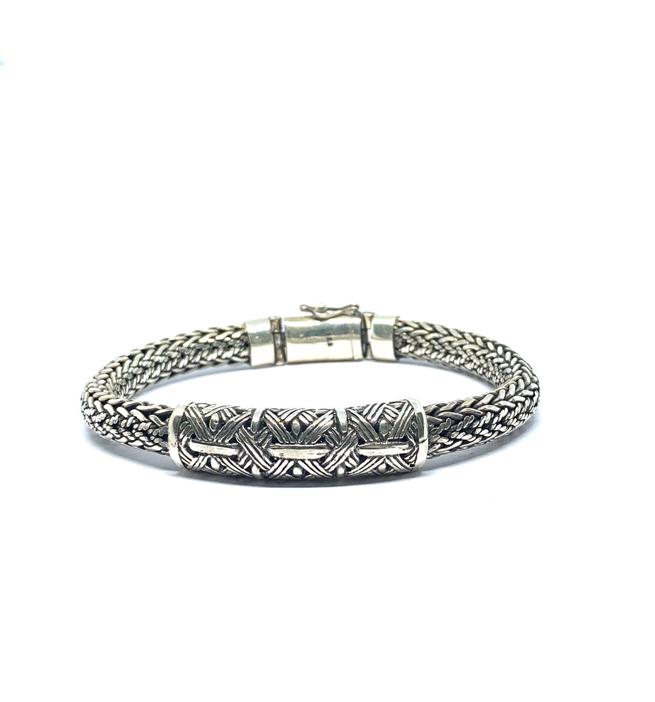 Handcrafted sterling silver bangle bracelet - Ilumine' Gallery