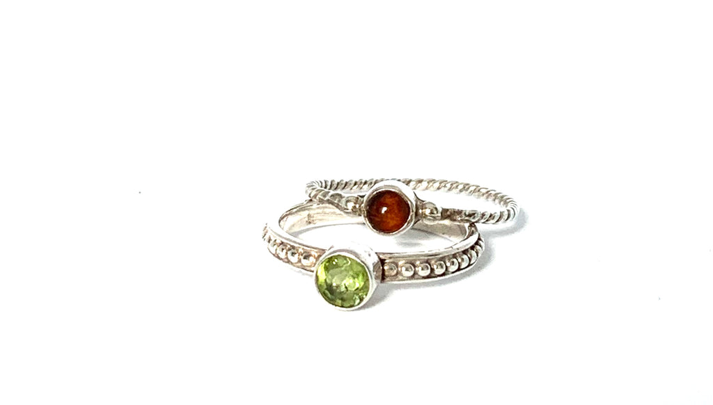 Rings sterling silver with peridot and garnet - Ilumine Gallery Store dainty jewelry affordable fine jewelry