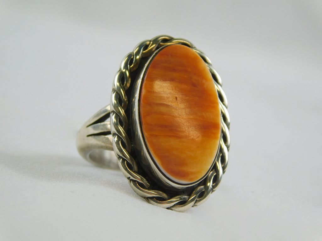 Hand Crafted Native American Spiny Oyster and 925 Sterling Silver - Ilumine Gallery Store dainty jewelry affordable fine jewelry