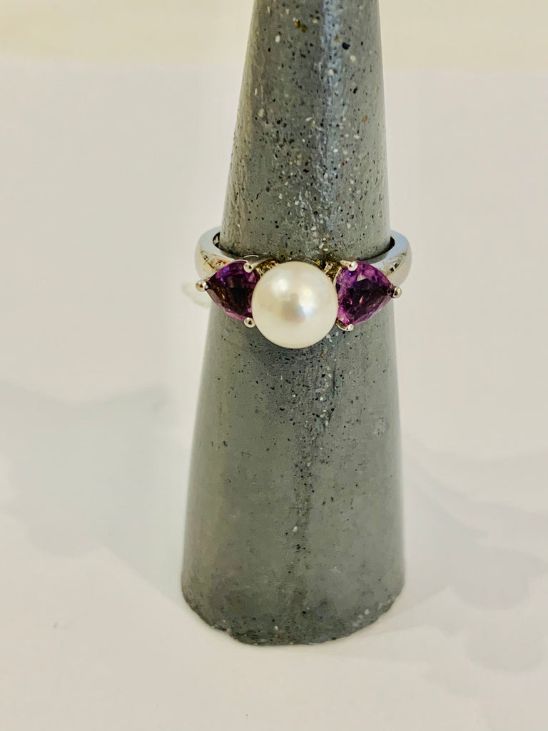 Ring with amethyst gemstones and pearl - Ilumine Gallery Store dainty jewelry affordable fine jewelry