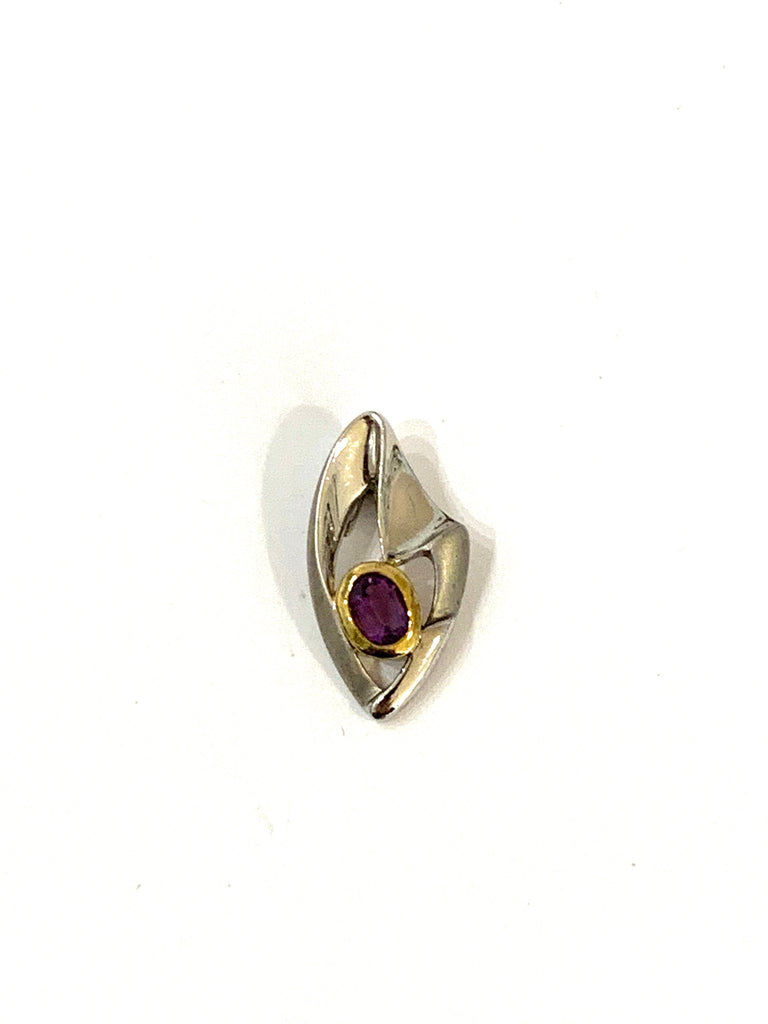 Necklace pendant with amethyst gemstone - Ilumine Gallery Store dainty jewelry affordable fine jewelry