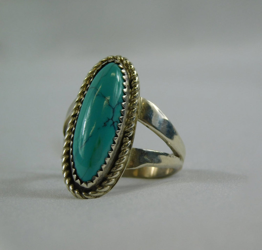 Sterling silver oval turquoise ring - Ilumine Gallery Store dainty jewelry affordable fine jewelry