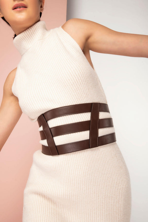 Unforgettable: Waist enclosed body belt - Chocolate