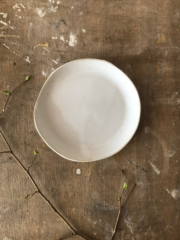 PLATE  - dia 17 cm, modern rustic,  imperfectionlove,  foodphotography, foodstyling
