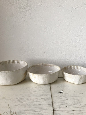 BOWL  -  dia 14 cm, fluted rim,  side dish, modern rustic, imperfect, foodphotography, foodstyling