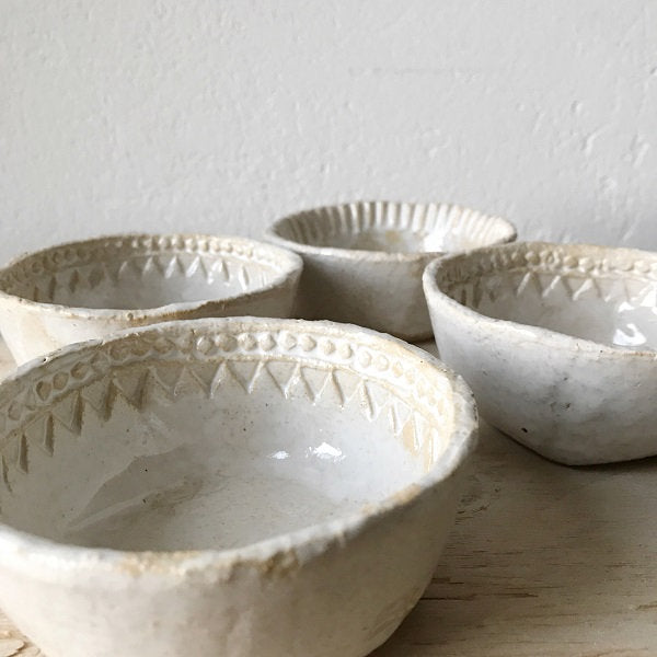 BOWL  - dia 11 cm, fluted rim, modern rustic, bohemian style, imperfectionlove, foodphotography, foodstyling