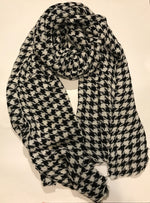 Soft Lightweight Houndstooth Scarf