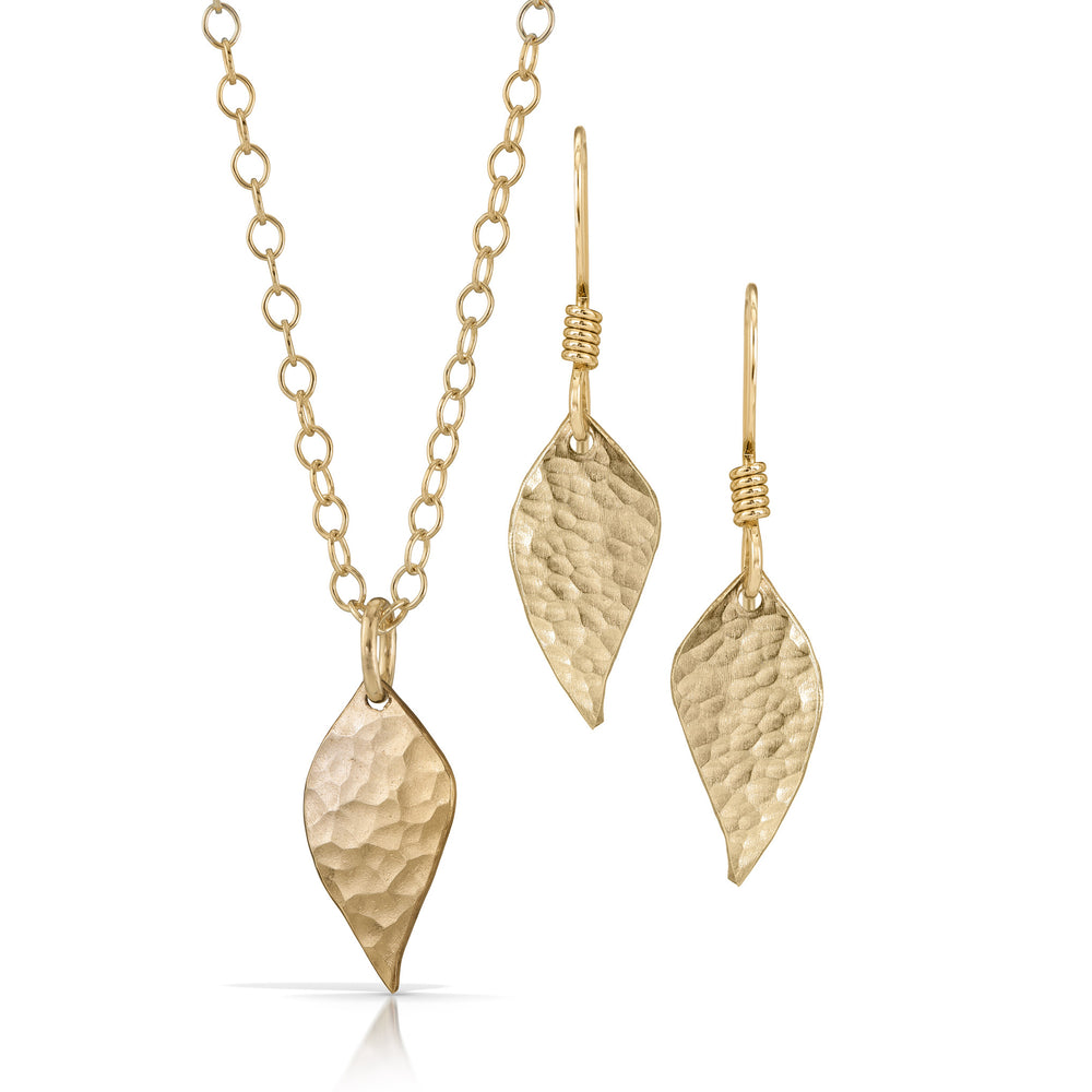 Load image into Gallery viewer, Handmade gold leaf jewelry set.