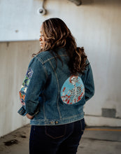 Load image into Gallery viewer, Vintage Hand Painted Denim Jacket -SIZE EXTRA LARGE